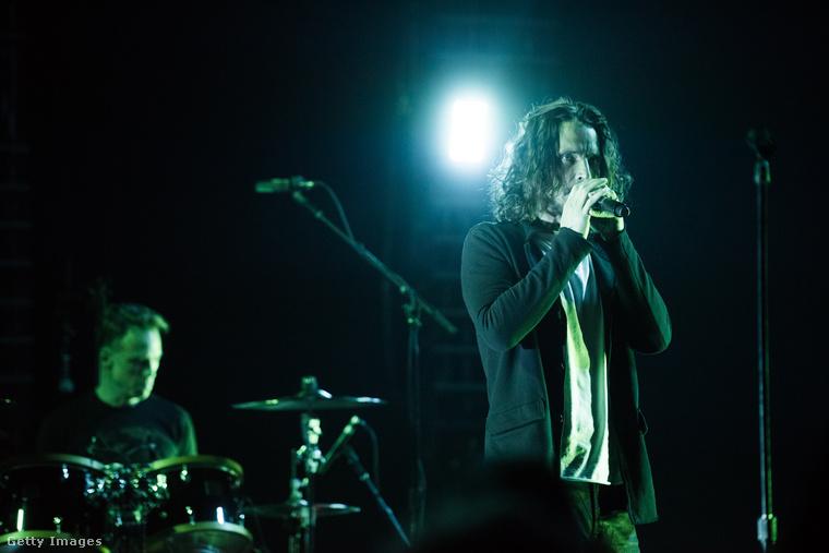 Chris Cornell egyik utolsó fellépésén május 3-án.