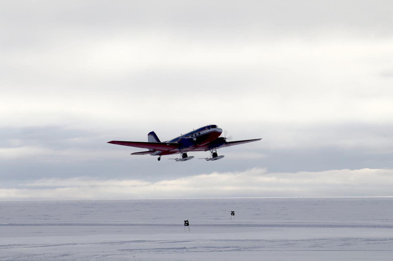 Február második felében, az utolsó repülővel mindenki eltűnik, és csak az áttelelő csapat marad.