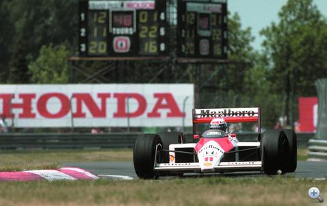 Alain Prost és Senna gondoskodott róla, hogy a McLaren-Honda 16 futamból 15-öt nyerjen 1988-ban, a turbók utolsó évében