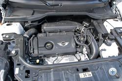 1,6-os benzines turbó - a Cooperben 184 lóerővel