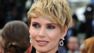 Osvárt Andrea már bemelegítette Cannes-t Mihalik Enikőnek, Palvin Barbarának és Vajna Tímeának