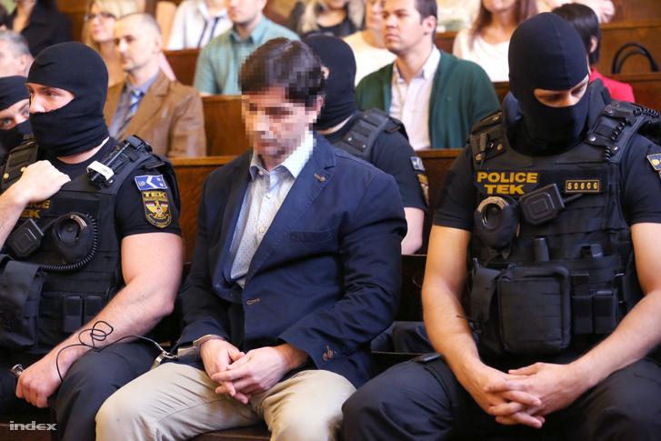 Portik Tamás a bíróságon 2016 márciusában