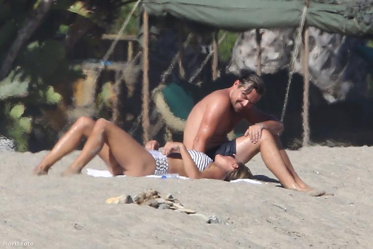 Nézzék, Leonardo DiCaprio milyen párás, hőszszerelmes tekintettel nézi új barátnőjét!