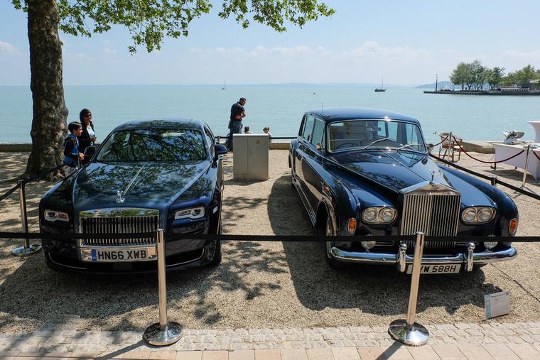 Ez viszont fontos kérdés: melyik az elegánsabb? Az új Phantom vagy a régi? Megsúgom, a régi a jobb oldalon áll a képen
