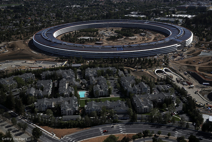 Épül az Apple új főhadiszállása, az 5 milliárd dolláros, vagyis 1,44 ezer milliárd forintos Campus 2.