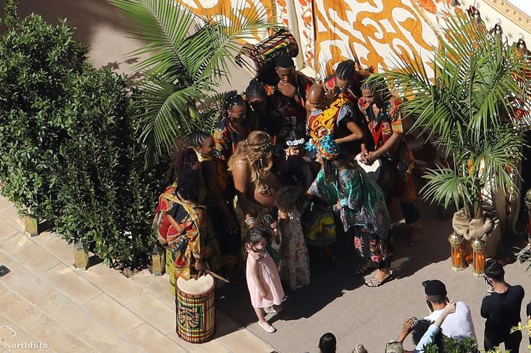 Az énekesnő egy szelet Afrikát varázsolt Beverly Hills-i luxusvillájába