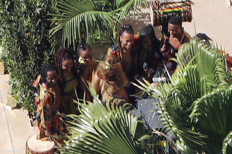 A Lemonade című album egyik fő vezérszála, a nyugat-afrikai stílus a partin is megjelent