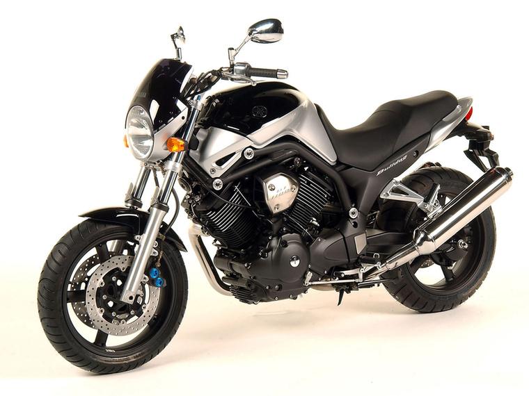 Yamaha BT1100 Bulldog                         Az MT-01 felbukkanása eléggé eljelentéktelenítette, de éppen ezért igen jó áron lehet hozzájutni manapság
