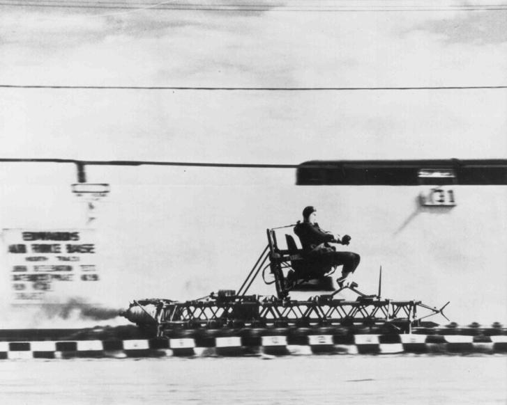 Az Edwards légibázis rakétaszános kísérleteivel kezdődött a szállóige karrierje