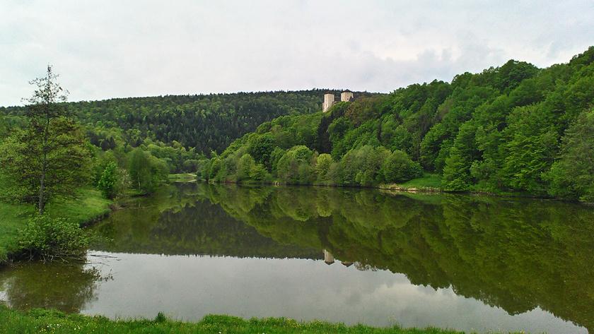 Lockenhaus várát egy mesébe illő tó veszi körül, ahol pompás kilátás nyílik a környékre. Pillants be a környék leggyönyörűbb és legizgalmasabb vidékeire válogatásunkban!