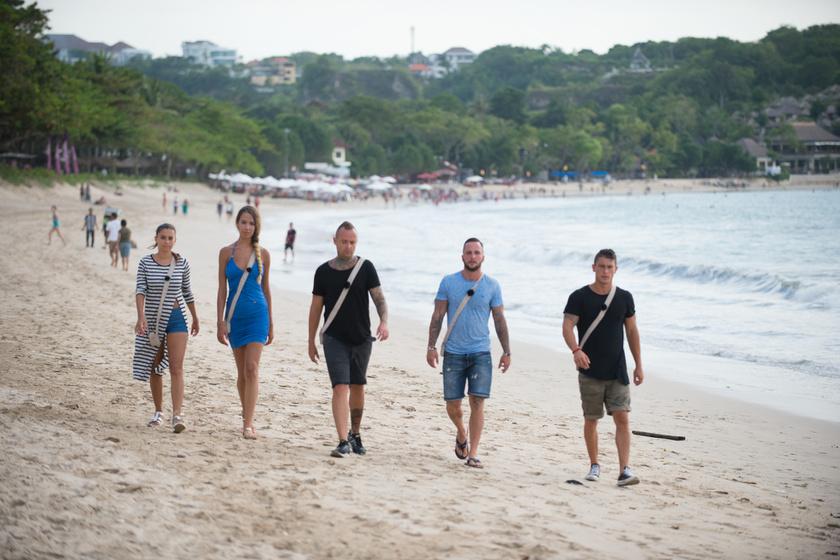 Öten érkeztek a tengerpartra, de csak négyen tértek vissza.