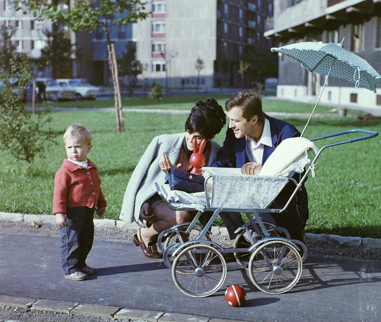 Egy kedves családi fotó 1967-ből a Szerémi sor 12., és a Baranyai utca környékén.