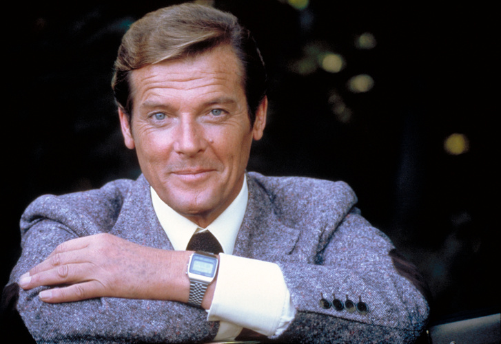 007 - Holdkelte - Roger Moore