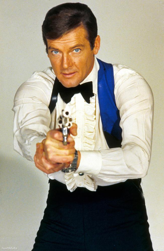 Roger Moore egyébként nyilatkozataiban általában nem kímélte sem a sorozat utolsó darabjait, sem pedig Sean Conneryt, a másik legkultikusabb Bond-figurát.Szerinte a Quantum csendje című Bond-film nem volt más, mint egy moziméretűre duzzadt reklám, Connery pedig alapból tehetséges, kár, hogy Moore egy árva szót sem ért abból, amit a filmvásznon mond.
