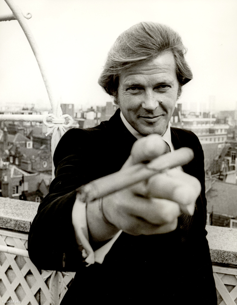 A brit színészt legtöbben James Bond és az Angyal,  Simon Templar  szerepében ismerték meg