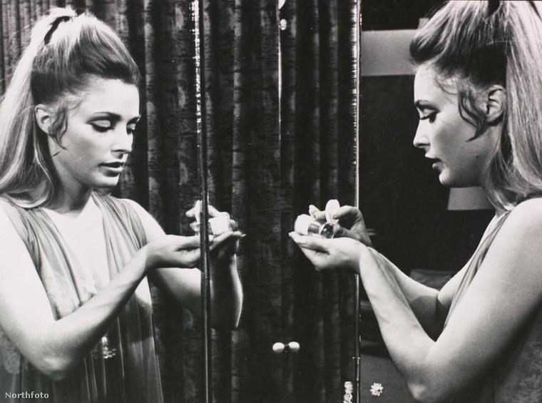Sharon Tate a Valley of the Dolls (Babák völgye) című filmben.