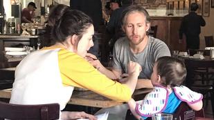 Egy rém normális család - Anne Hathaway és szerettei