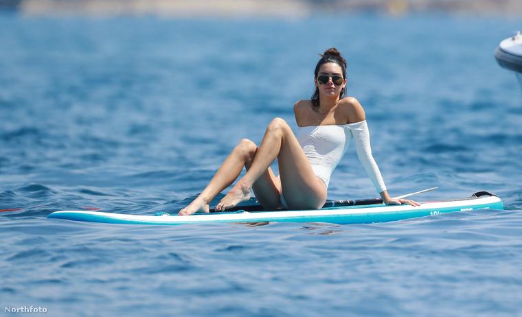 Mit csinálhatnak Cannes-ban egyes hírességek, hogy letudták vörös szőnyeges kötelességüket?Van, aki Colin Farrellel fotózkodik egy esti bulin.De nem Kendall Jenner.