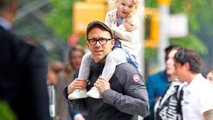 Ryan Reynolds és Justin Timberlake egyaránt versenyben van az év apukája címért