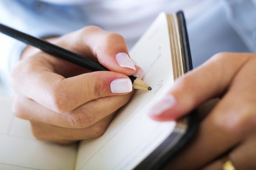 kez-ceruza-notesz