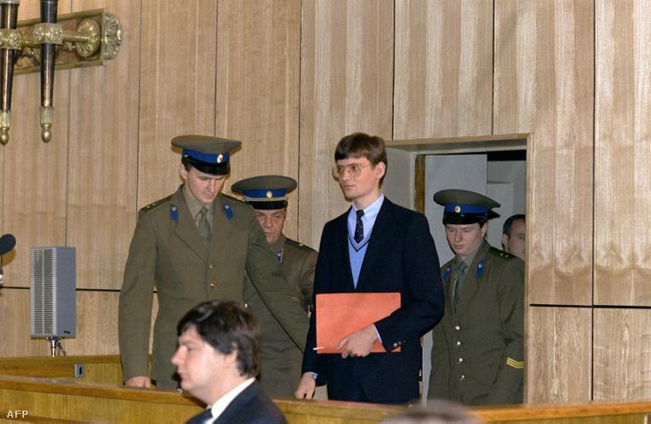 Mathias Rust 1987-ben a moszkvai bíróságon.