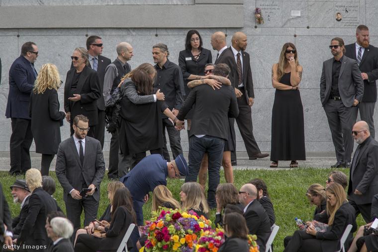 Így búcsúztatták el a Soundgarden zenekar énekesét zenésztársai, kollégái, barátai és családtagjai