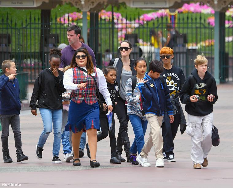 Reneszánsz vásárokra járnak, sushival ünneplik az anyák napját, és ha azt gondolná, ezt már nem lehet fokozni, akkor csak annyit mondunk: Disneyland!