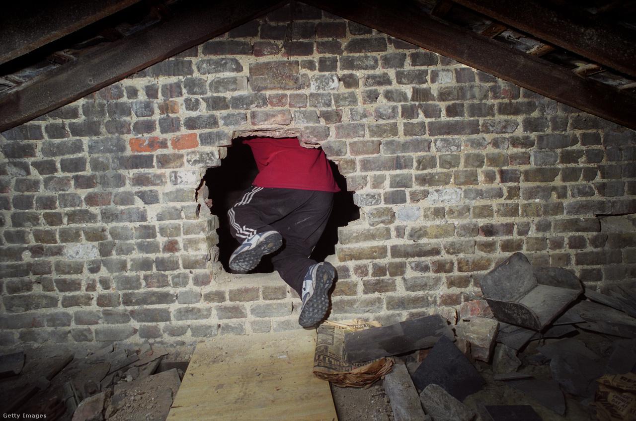 Az utcában még egyébként ezután is maradt néhány házfoglaló, őket végül 2007 áprilisában lakoltatták ki, miután a rendőrség újabb drograzziát tartott a helyen. Az épületeket azóta lebontották, és ma már a St Agnes Place-en luxuslakásokat hirdetnek jómódú családoknak.