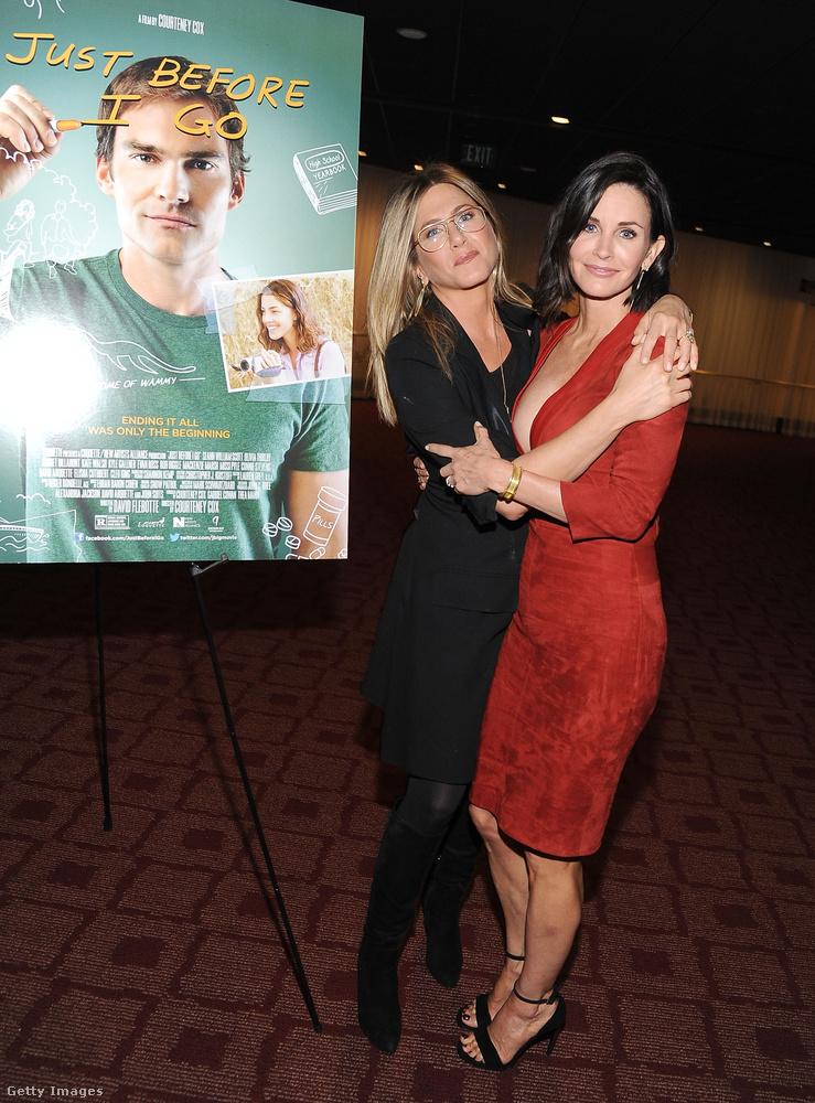 Courteney Cox és Jennifer Aniston még 1994-ben, a Jóbarátok forgatásán találkozott először, aztán úgy alakult, hogy az életben is jó barátokká váltak