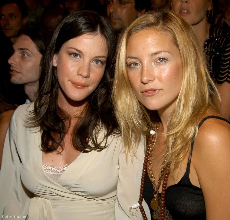 Kate Hudson és Liv Tyler a szüleiknek köszönhetően együtt nőttek fel, mivel Goldie Hawn (Hudson édesanyja) és Steven Tyler (Tyler édesapja) nagyon jóban voltak egymással