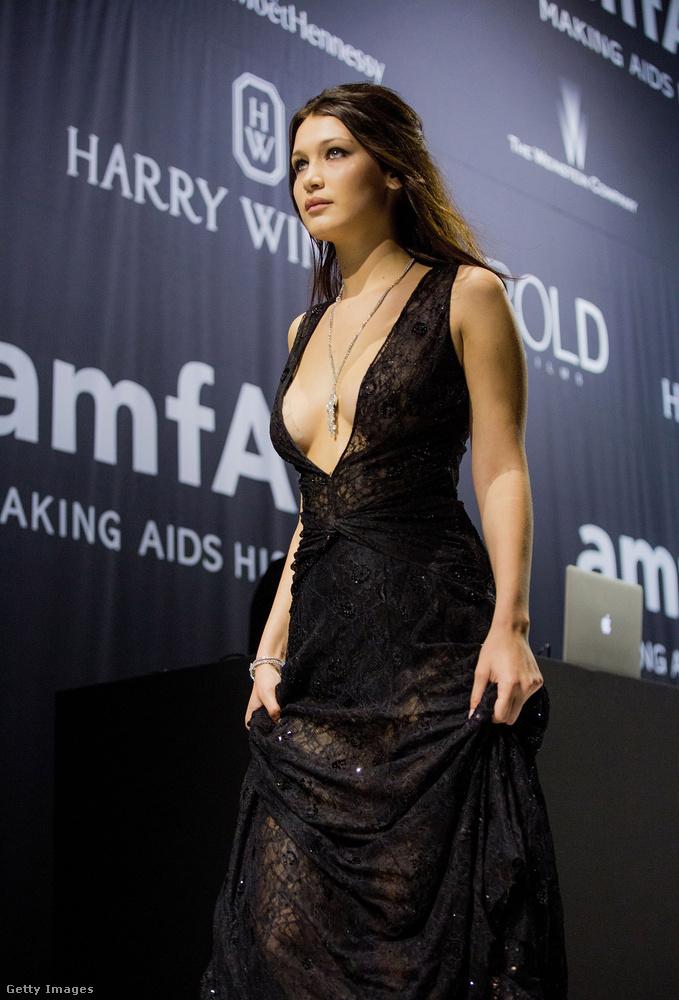 Miután szakított az énekessel, volt egy minimális közösségi oldalas balhé: 2017 januárjában Bella Hadid kikövette The Weeknd új csaját, Selena Gomez-t, 2017 márciusában pedig The Weeknd és Selena Gomez egyszerre követte ki őt az Instagramon