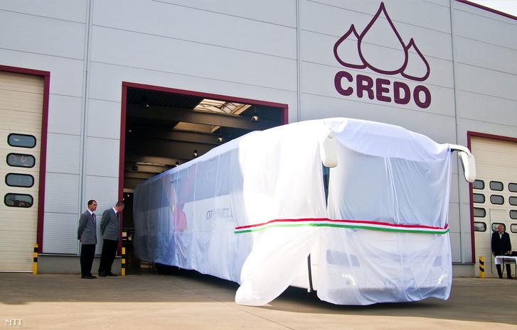 A Kravtex Kühne cégcsoport által fejlesztett Credo Optinell nevű autóbusz a cég mosonmagyaróvári üzemében tartott sajtóbemutatón 2012. szeptember 21-én