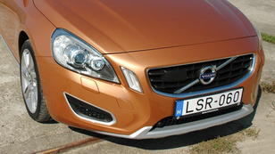 Volvo S60 2.0T Powershift