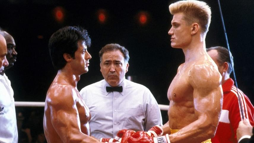 Sylvester Stallone olyan komolyan vette Rocky Balboa szerepét, hogy megkérte Dolph Lundgrent, hogy valóban üsse meg a negyedik rész forgatásakor. Olyan jó sikerült a jelenet, hogy azonnal kórházba kellett szállítani a sztárt, több bordája megrepedt, a nővérek azt hitték, egy autó ütötte el Stallonét.