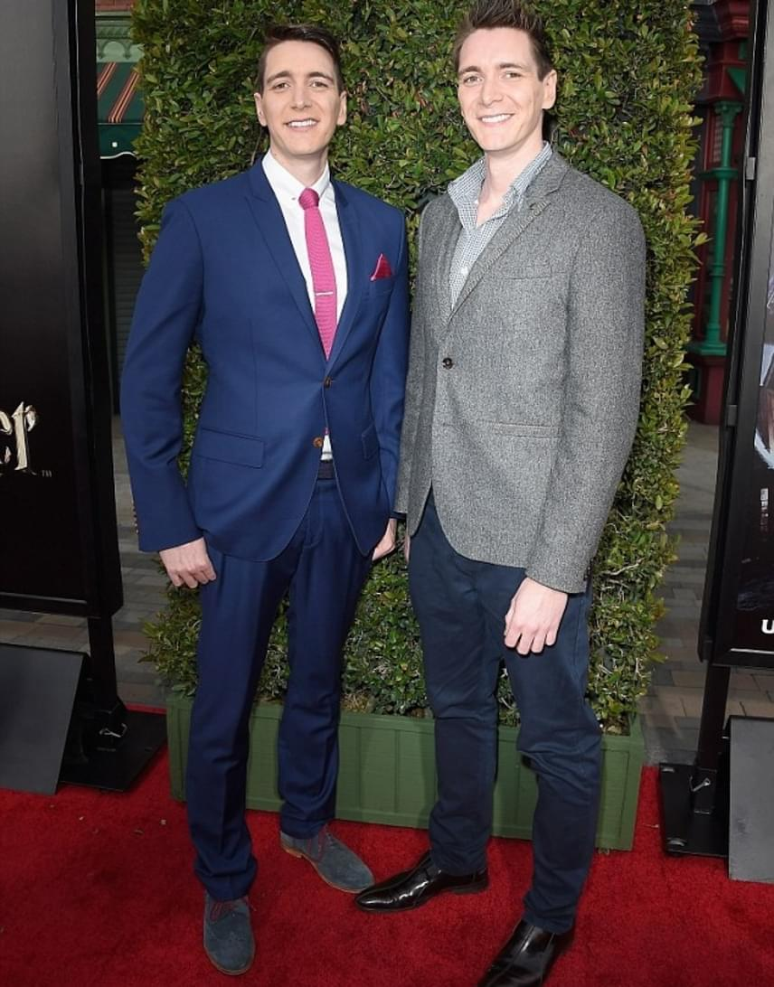 Oliver és James Phelps, akik a Weasley ikreket játszották, szintén sokat változtak a Harry Potter óta. A két színész februárban ünnepelte a 30. születésnapját.