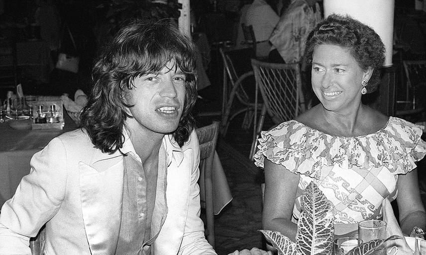 A hercegnő 1978-ban vált el férjétől, majd habzsolta az életet: előbb egy kertésszel, utána a Rolling Stones frontemberével, Mick Jagerrel (fotónkon), és a Rózsaszín párduc-filmekből ismert Peter Sellers-szel hozták hírbe.