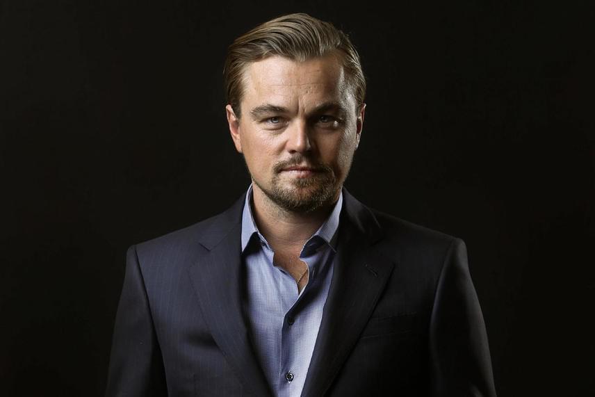 Sokan találgatják, miért nem tud egy nő mellett sem megállapodni Leonardo DiCaprio. Olyan merész pletykák láttak napvilágot, miszerint a 41 éves színész nem is a nőkhöz vonzódik, egyesek pedig azt állítják, komoly fogadásból nem nősült meg eddig.