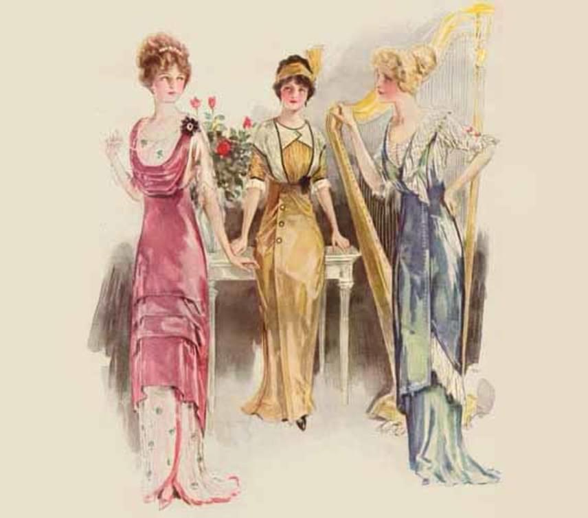 Az estélyi ruhák is földig értek, de kevésbé voltak zártak, előfordult, hogy a kör alakú nyakkivágás a mellkas jelentős részét látni engedte. Itt sokkal több árnyalatot és élénkebb színeket használtak, jellemző volt a derékhangsúly és a rétegezés. Ehhez nagy konty és legfeljebb valamilyen fejdísz dukált, nem kalap.