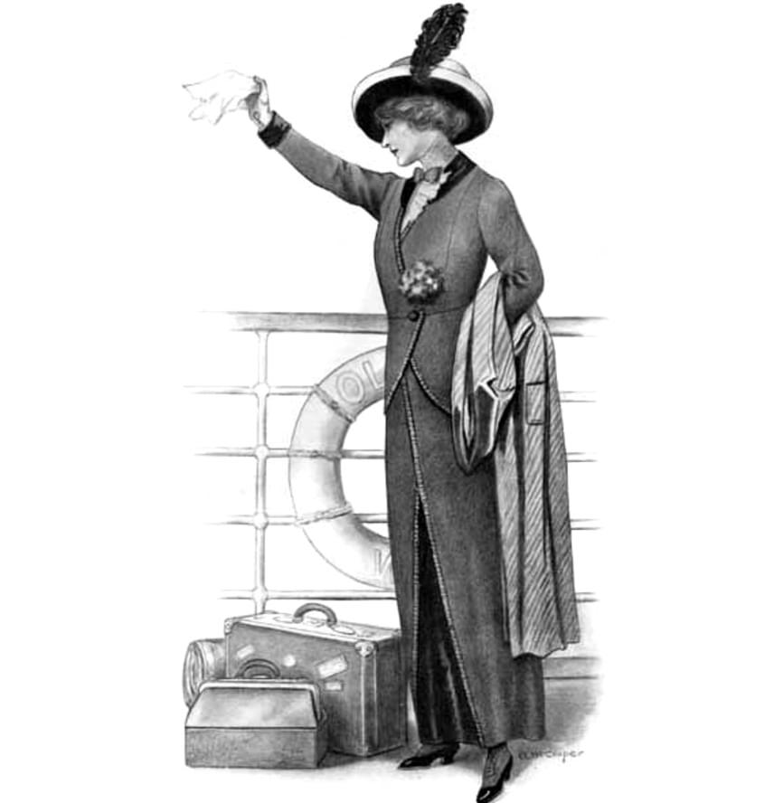 A Titanic jómódú, húszas-harmincas éveikben járó női utasain jellemzően egyénre szabott, kifejezetten üdülésre tervezett kosztüm volt, mely egy hosszú szoknyából és hozzá illő zakóból állt. Alatta fodros vagy masnis blúz, hozzá elegáns felöltő, bross, kesztyű, körömcipő és az elmaradhatatlan kalap.