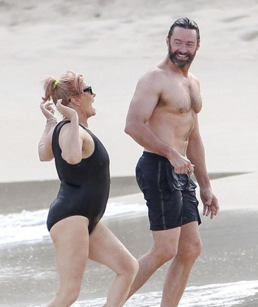 Hugh Jackman és Deborra-Lee Furness még azelőtt ismerkedtek meg, hogy az ausztrál színész befutott volna. 1996-ban házasodtak össze, és két gyereket is adoptáltak közösen, Avát és Oscart.