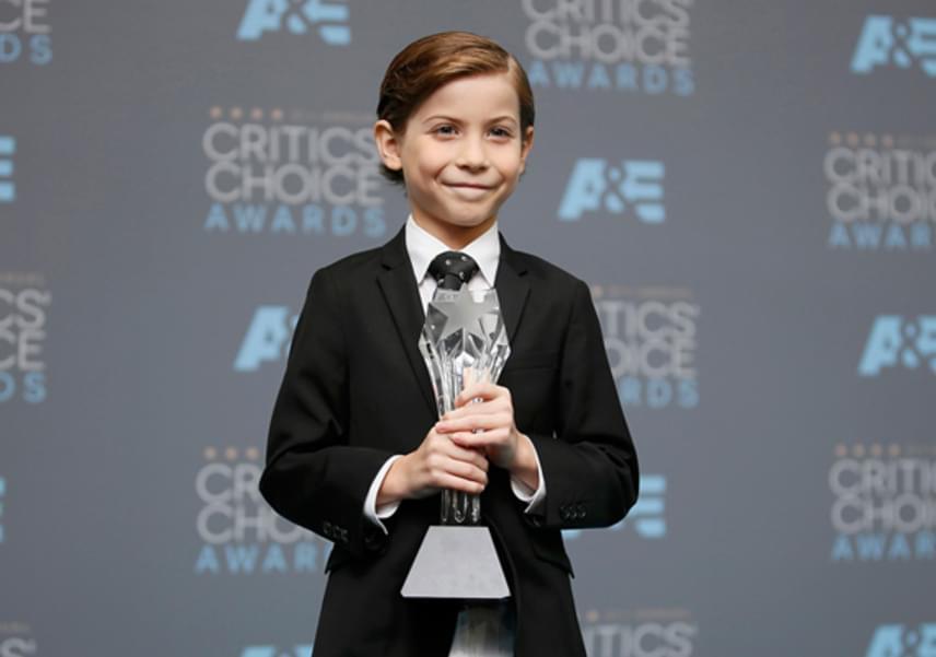 A Critics' Choice Awardson Jacob ezekkel a szavakkal vette át a legjobb fiatal színésznek járó díjat:                         - Ez fantasztikus. Ez életem legszebb napja. Már azt is kitaláltam, hova teszem a díjat: a szobámba, a Lego Star Wars Ezeréves Sólymom mellé!