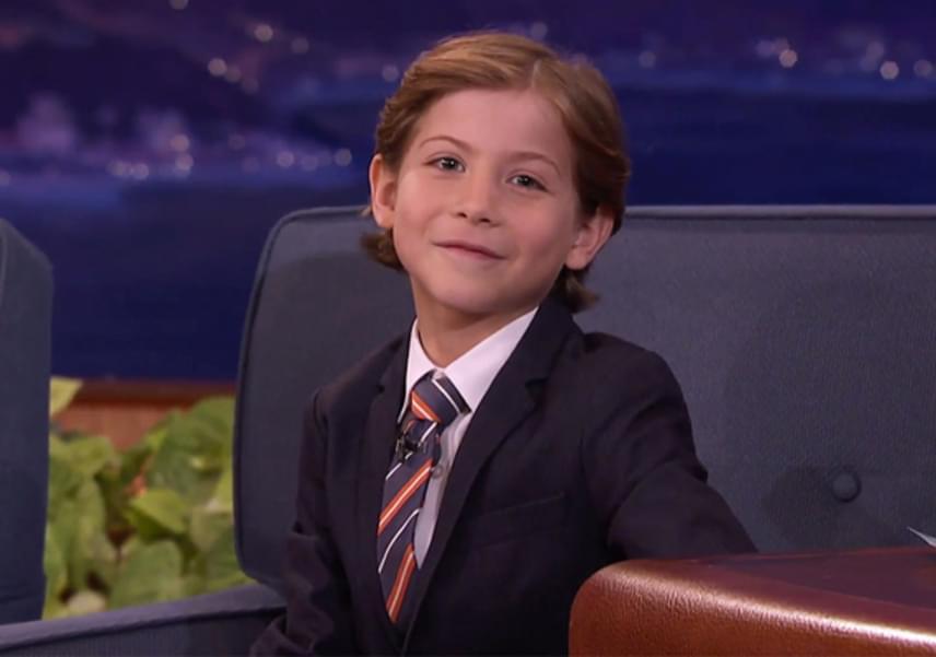 A legaranyosabb interjút is neki köszönheti a világ: a Conan Show-ban megmutatta kedvenc vörös szőnyeges pózait. A képen látható a Kék acél fantázianevet viseli. Nézd meg a többit is!