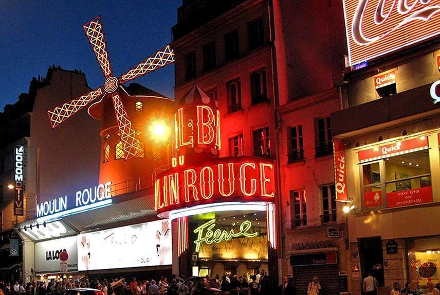 Az eredményeket illetően nemcsak a New York-i épület okozhat meglepetést, hanem a párizsi is. Ott ugyanis nem az Eiffel-torony lett a legnépszerűbb, hanem a Moulin Rouge, a negyedik helyet megszerezve ezzel.