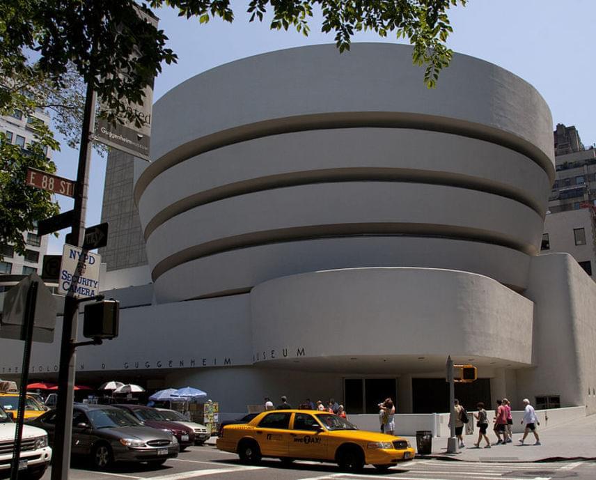 Igencsak meglepő, hogy a lista első helyén a New York-i Guggenheim Múzeum szerepel mint a világ legtöbbet fotózott helye.
