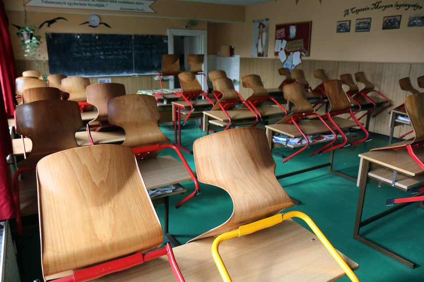 Sztrájkoltak a pedagógusok április 15-én: ez a kép a miskolci Herman Ottó Gimnáziumban készült. Április 20-ra már nem csupán országos sztrájkot terveznek, hanem azt kérik, hogy délben öt percre az iskolákon kívül is álljon meg az élet.