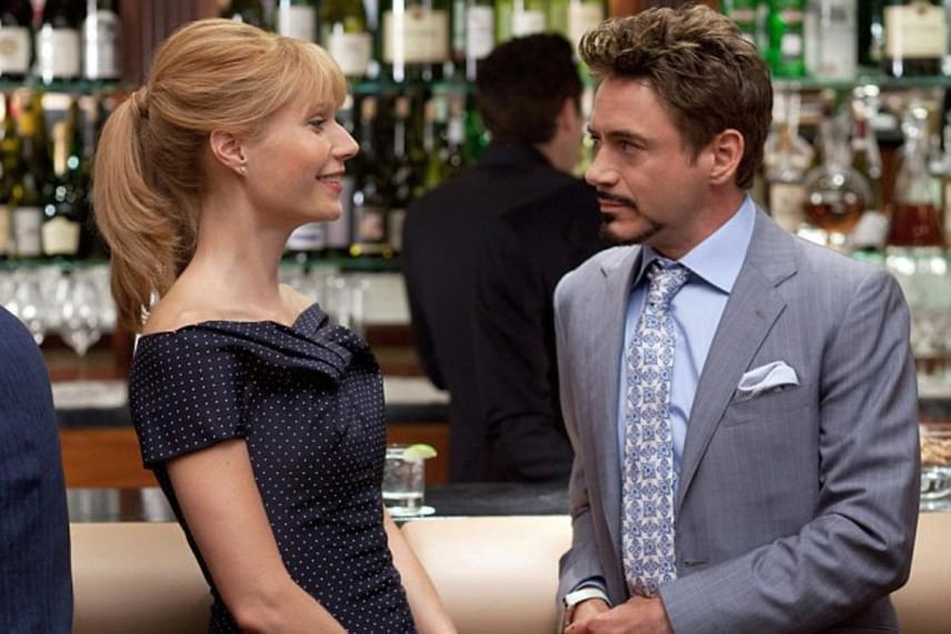 Tony Stark és Pepper Potts remek párost alakítanak a filmvásznon, mint kiderült, nem is véletlenül. Robert Downey Jr. nem tagadta vonzalmát kolléganője iránt, elárulta, ki is használja a szabadkártyát, és mindig rendesen csókolja meg a színésznőt.