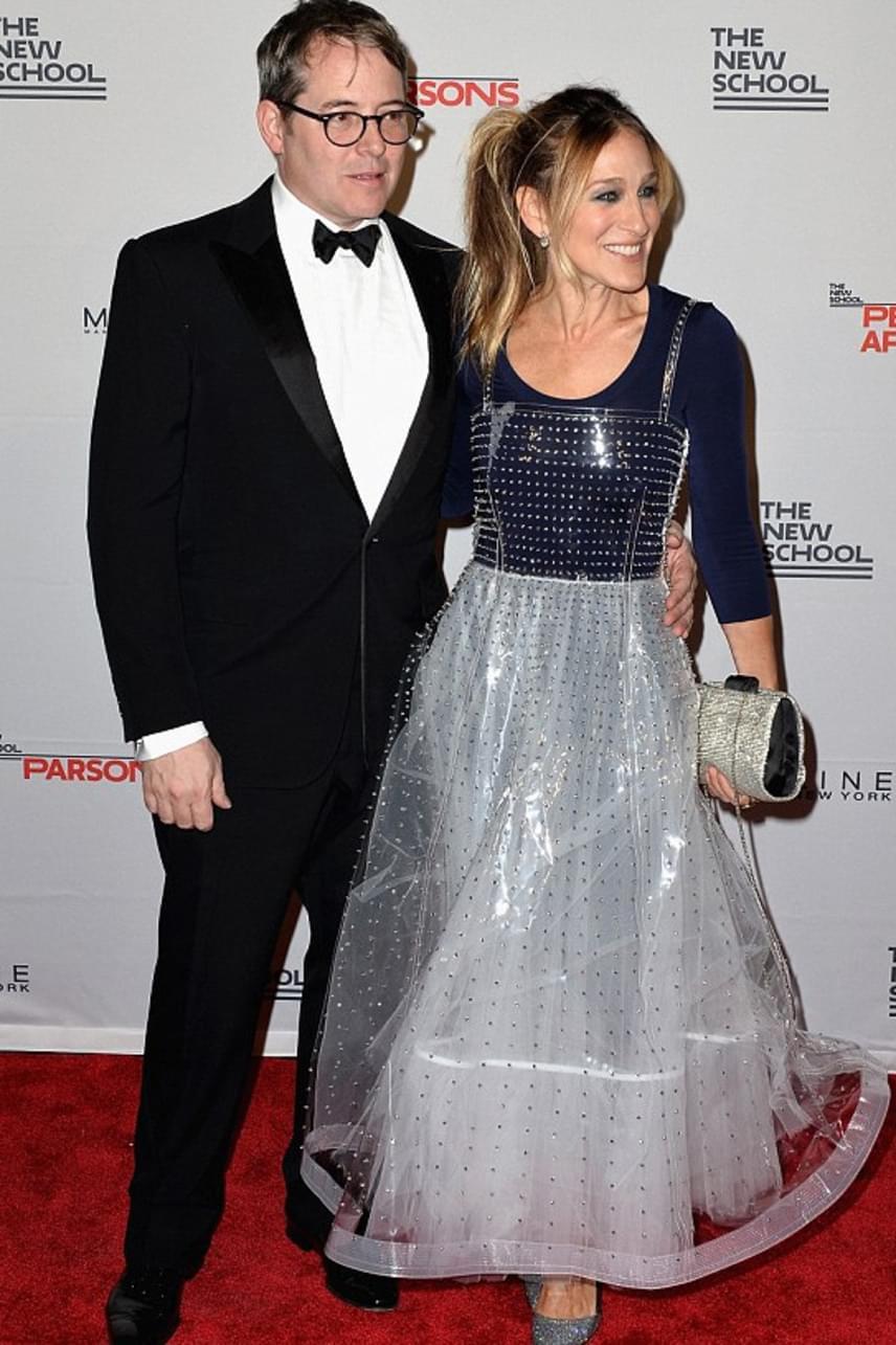 Sarah Jessica Parker csak nevetett férje durva beszólásán, hozzátette: a férfiak - különösen a férje - ennyire értenek a divathoz.