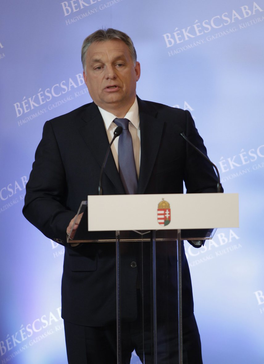 Orbán Viktor meglepődött a rossz GDP-adatokon, amik még május 13-án kerültek nyilvánosságra, a múlt héten egyeztetések folytak, most pedig Varga Mihály nemzetgazdasági minisztertől várják a megoldást, illetve a számok javítását.A miniszterelnök a héten beteg lett, Dunaújvárosba nem tudott ellátogatni országjáró körútján, de talán nem véletlenül. Szerencsére gyorsan felépült, csütörtökön Békéscsabán már repteret ígért a Modern Városok program keretében, és az orosz külügyminiszterrel is tudott találkozni.