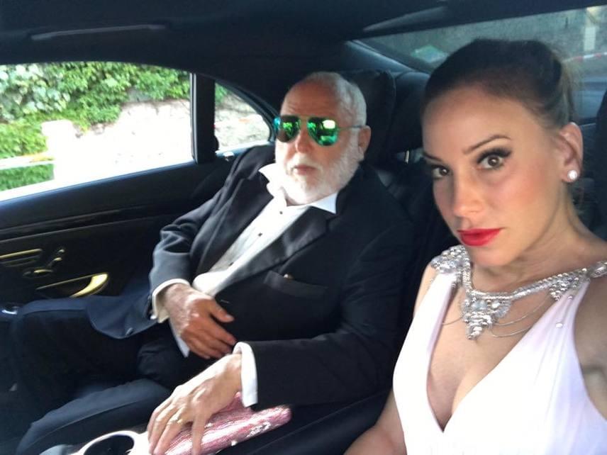 Andy Vajna és felesége az idei cannes-i filmfesztiválon is részt vettek, ahol nem hagyták ki az amfAR jótékonysági gálát sem. Innen Vajna Timi élőben jelentkezett be - férje be is szólt neki.