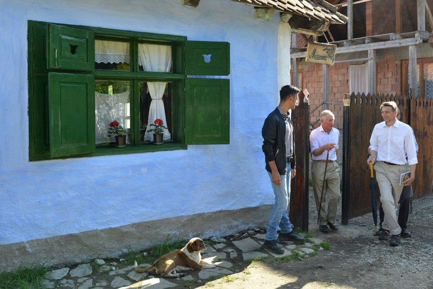 Károly herceg még a zalánpataki falumúzeumba is ellátogatott, hogy szemügyre vegye a környék tradicionális tárgyait.
